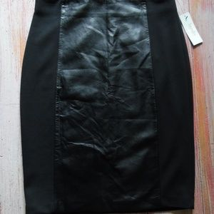 NWT Laundry Vegan Leather Panel Exp. Zipper Skirt